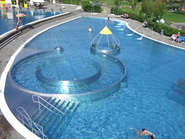 Acquarena di bressanone progettazione costruzione e manutenzione piscine legislazione corsi - Costo manutenzione piscina ...
